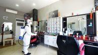 Açılış Öncesi Berber ve Kuaför Salonları Dezenfekte Ediliyor