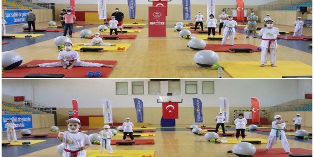 Yaz spor okulları açılış töreni Sultanbeyli'de yapıldı