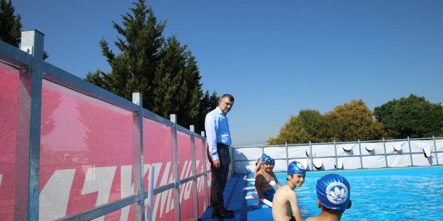 Sultanbeyli'de Yüzme Bilmeyen Çocuk Kalmıyor