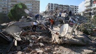İzmir'de Deprem ! Bakan Kurum: 5 bina yıkıldı