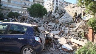 İzmir Valisi: 70 vatandaşımızı enkazdan çıkardık