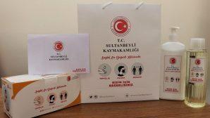 Sultanbeyli'de İhtiyaç Sahiplerine Temizli Seti Dağıtılıyor