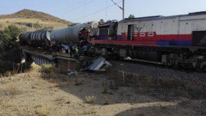Yozgat'ta yük trenleri çarpıştı