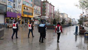 Sultanbeyli'de Sokağa Çıkma Kısıtlamasına Uymayan 378 Kişiye Para Cezası