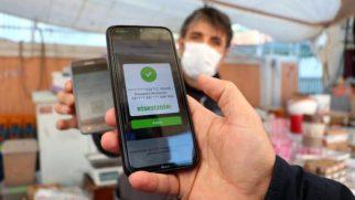 Sultanbeyli'deki pazar yerleri koronavirüs tedbirleri kapsamında düzenli olarak denetleniyor