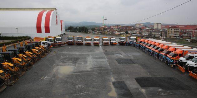 Ümraniye'de Kar Küreme ve Tuzlama Araçları Teyakkuz Halinde