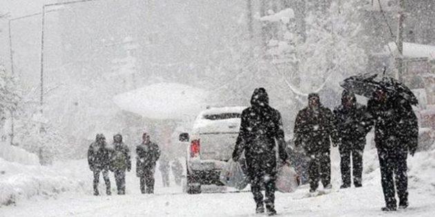 İstanbul'da beklenen kar yağışı, pazar akşam saatlerinde başlayacak