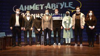 """Gençler Sordu """"Ahmet Abi"""" Cevapladı"""