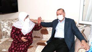 Cumhurbaşkanı Erdoğan, Mahruze Teyzeyi Ziyaret Etti