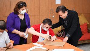 Tuzla'nın Özel Çocukları, Naylon Poşet Yerine Kese Kagıdı Üretiyor