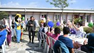 Başkan Yazıcı, Özel Çocuklara Kendi Elleriyle Cağ Kebabı İkram Etti